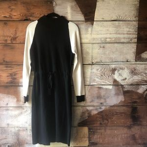 Dunnu Dresses - Dunnu Export Black and White Sweater Dress Size 9